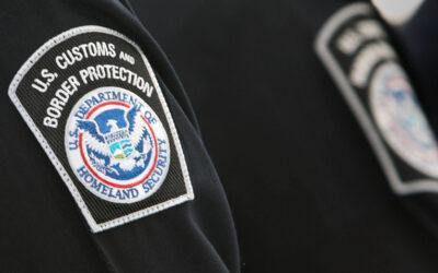 Biden elige a jefe policial y a activista para dirigir agencias migratorias