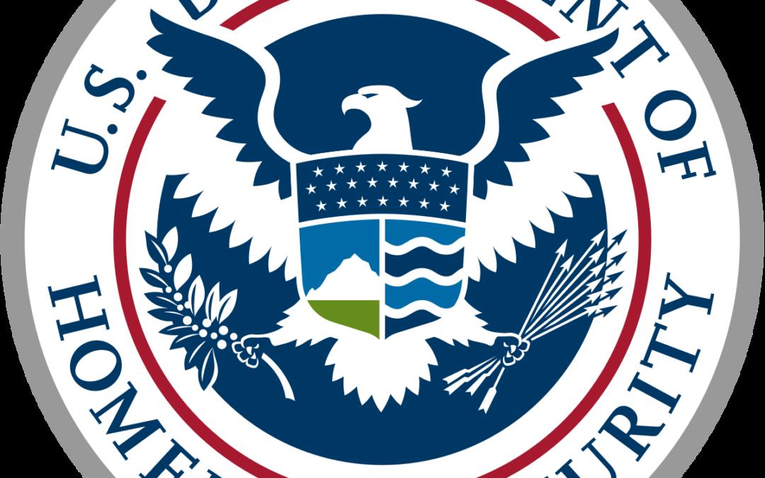 Latino elegido para encabezar Seguridad Nacional cambiaría políticas de inmigración