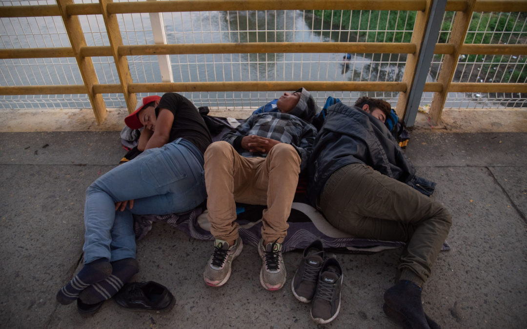 Communities Form as Thousands Wait Entry on Mexican Side -e-immigrate