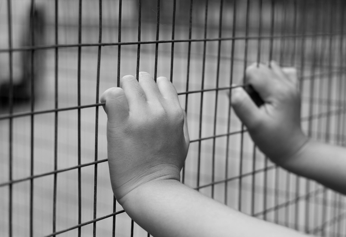 Immigration detention centers showcase California's vaccine chaos