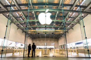 apple-Whistleblower Suing Apple adds Evidence of Visa Laws Evasion-e-immigrate-news