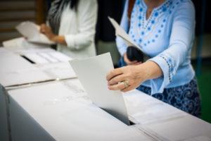 midterm-Migrant Caravan Continues as Midterm Election Looms-e-immigrate- news